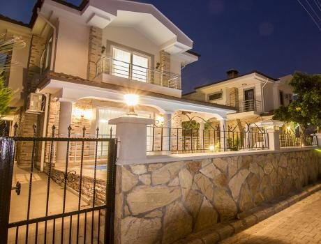 Lilia Villas - General - Luxury Villa