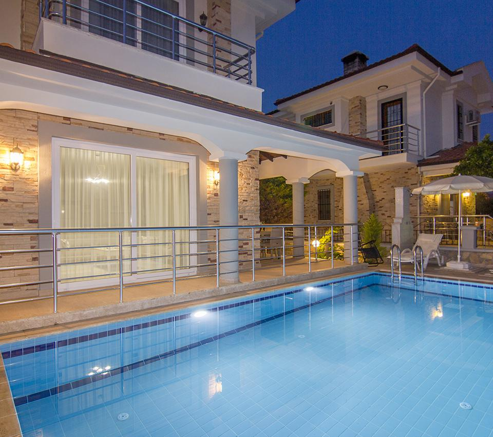 Lilia Villas - Pool - Luxury Villa