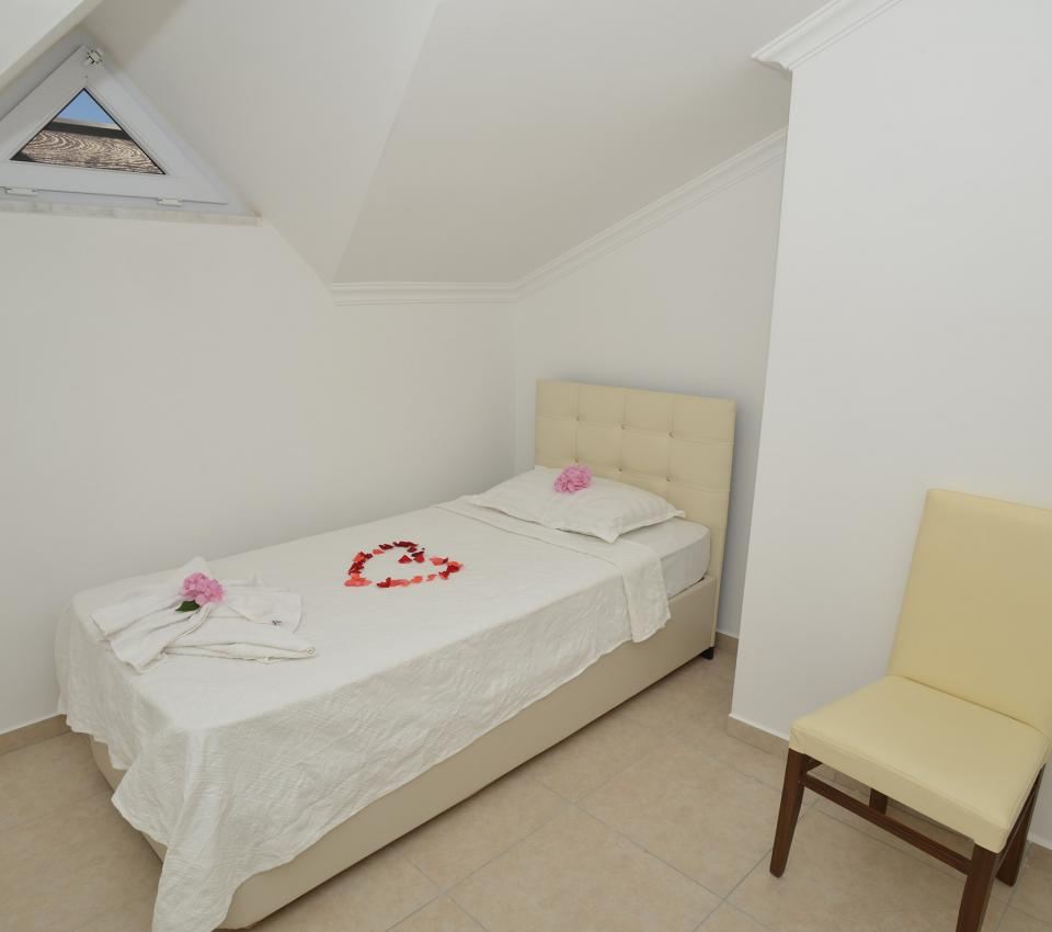 Legend Apart (4 + 2 Persons) - Rooms - Luxury Villa