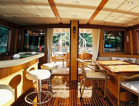 Serenity 70 - Living Room - Motor Sailer