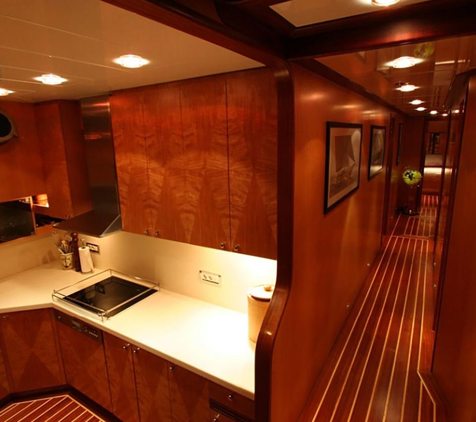 Serenity 86 - Rooms - Motor Sailer