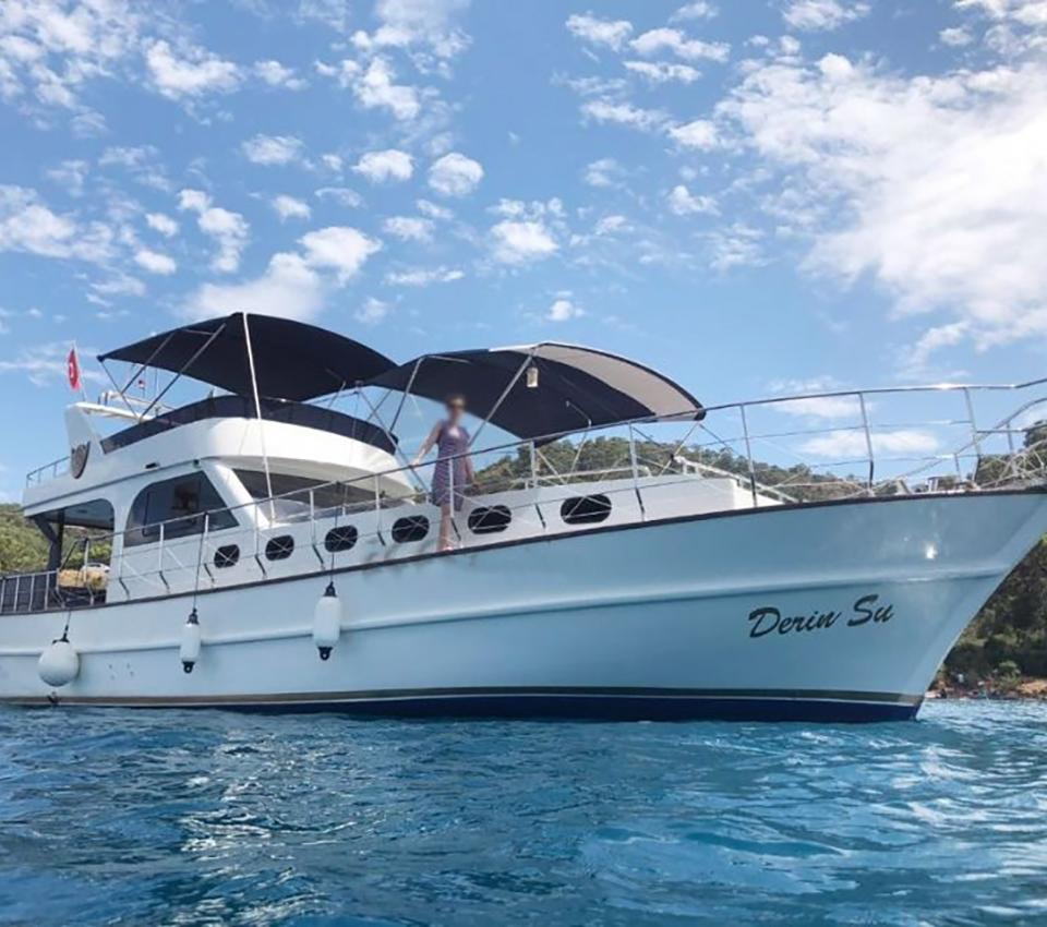 Deep Water - General - Motoryacht